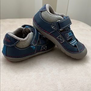 Stride Rite Leather Walking Shoe